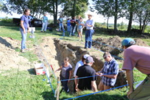Mass Soils Conf-students in pit